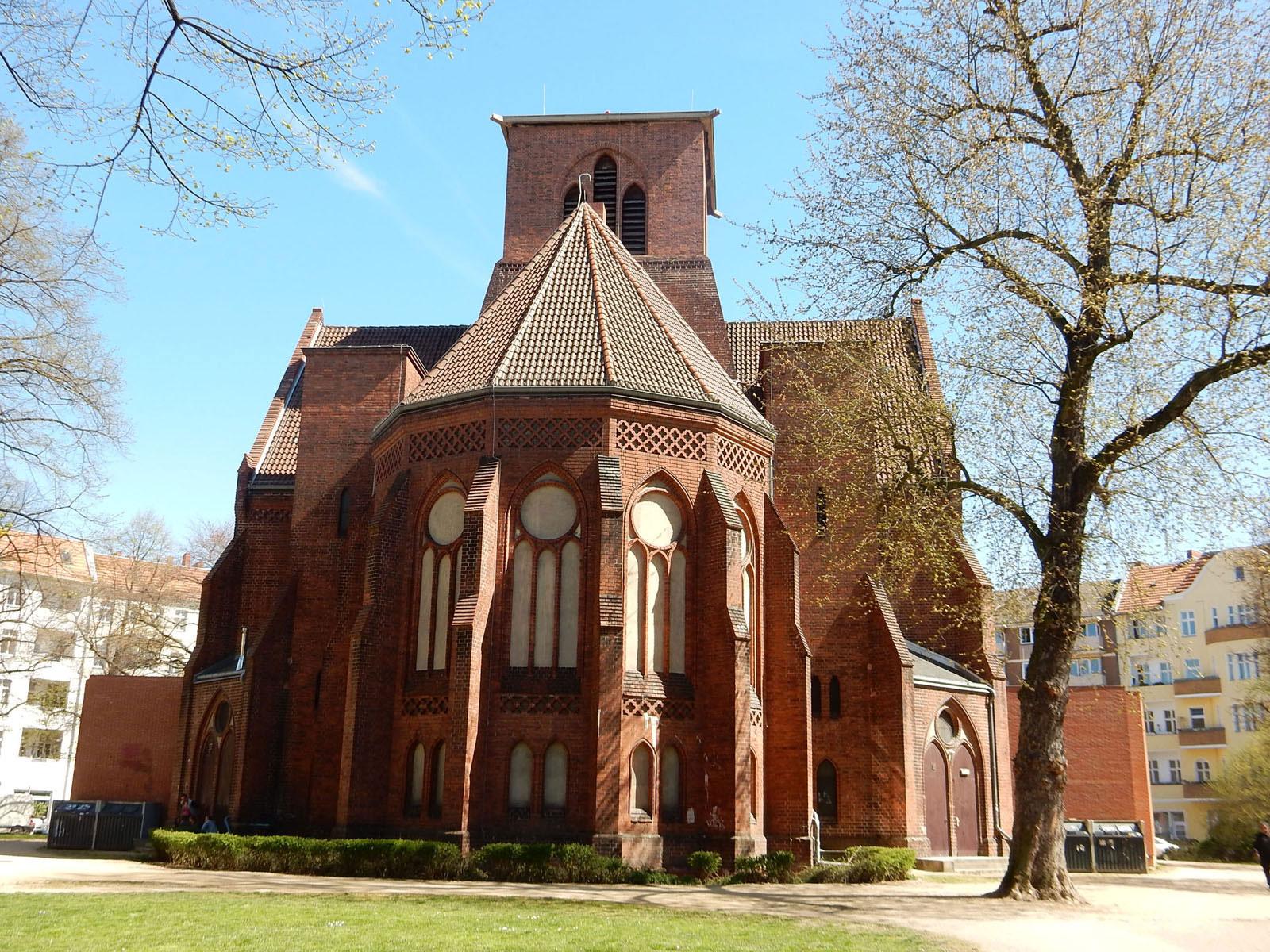 Radtour Berlin Neukölln - Genezareth-Kirche