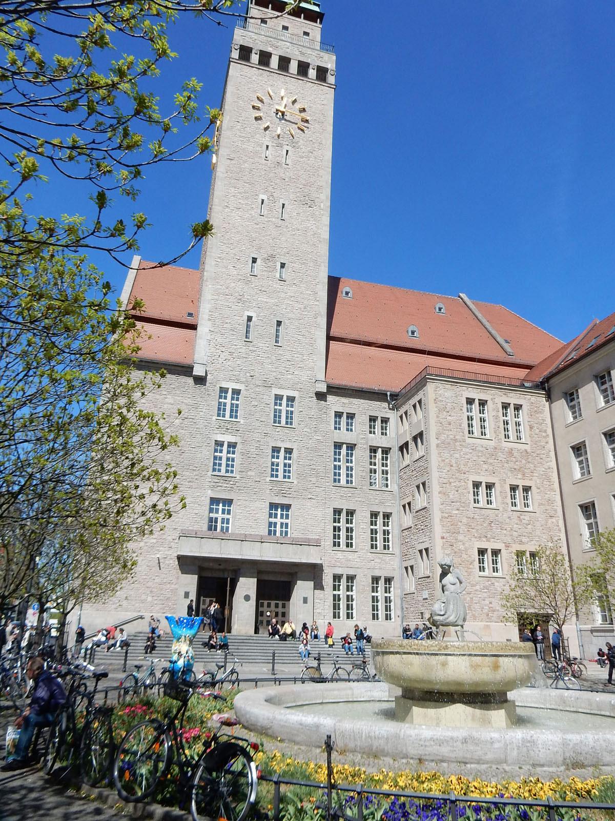 Radtour Berlin Neukölln - Rathaus Neukölln